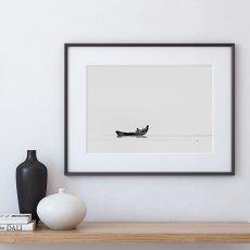 画像2: Boat in Tranquility ボート モノトーン 自然ポスター (2)